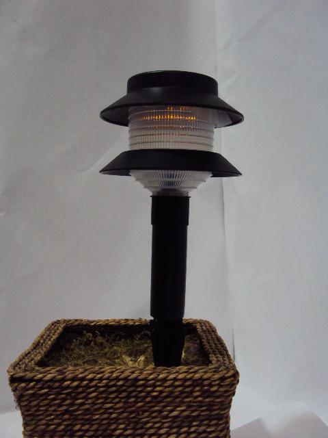 Innovision Series Amber Solar Garden Light